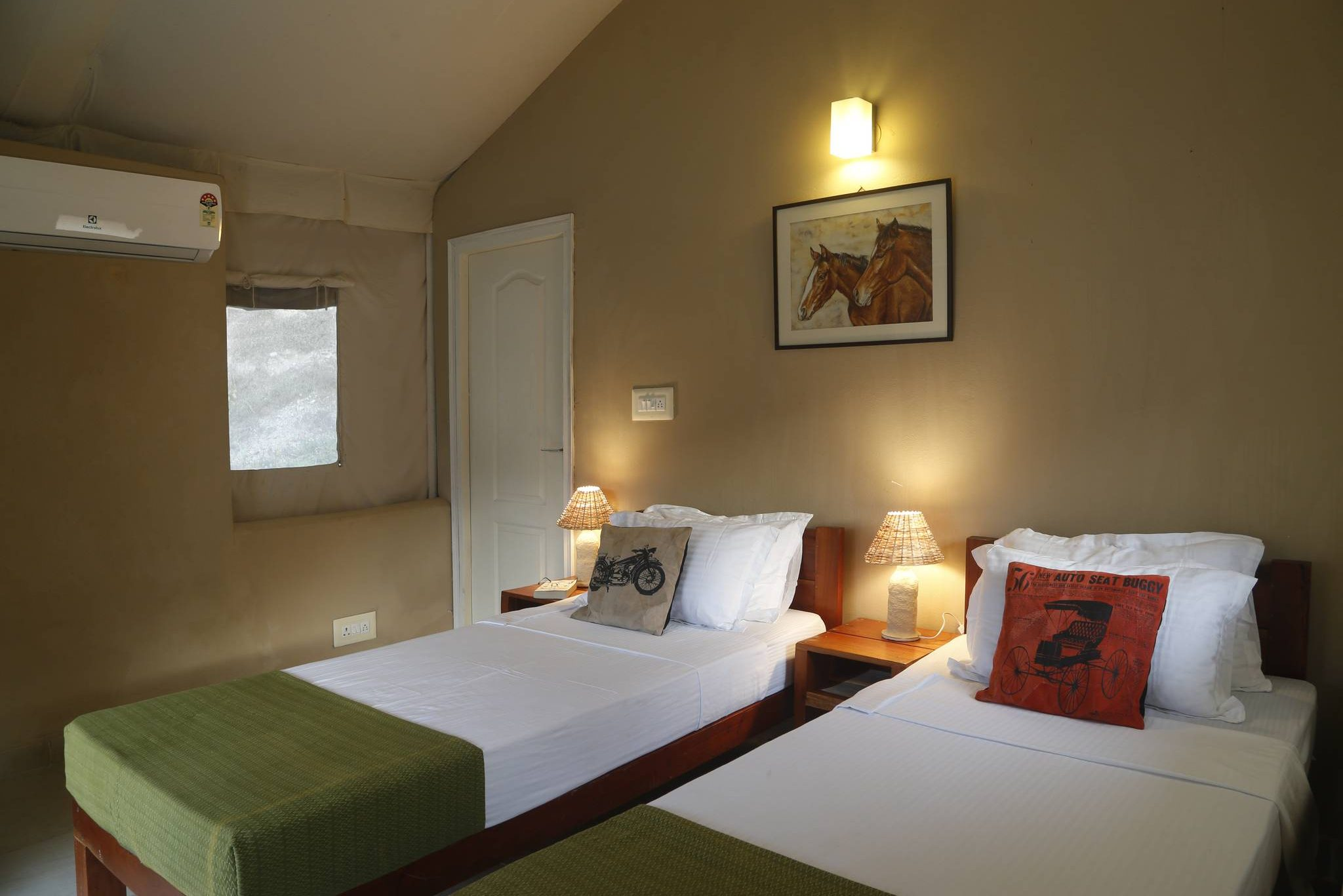 Twin bed cottage at Banyan by the Ganges